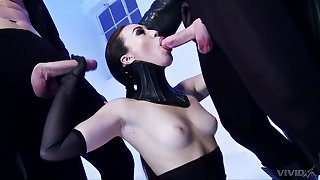 Kinky anal fetish for seductive Tiffany Doll