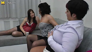 Two mature mothers fuck persuasive teeny lesbian