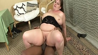 Fat Housewife Goes For Big Black Blarney - Interracial Porn