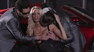 Two cocky dudes dear one both holes of bodacious elite hooker Jessica Drake