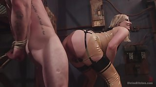 Face sitting porn and femdom XXX fro a hot blonde