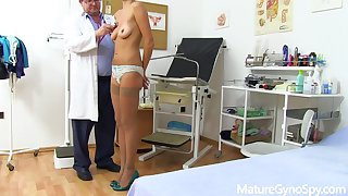 Tall mature lady Monique gyno amulet video